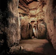 (1-19 Tomb Interior with Corbeling and Engrave Stones  Newgrange, Ireland  3,000-2,500 BCE