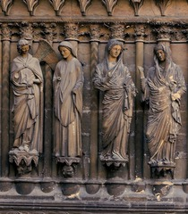16-16 Annunciation and Visitation, Reims Cathedral central portal (Gothic art, 1150-1400)