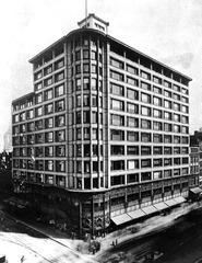 Carson, Pirie, Scott and Company Building. Chicago, Illinois. Sullivan. 1899-1903. Iron, steel, glass, and terra cotta.