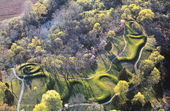 Great Serpent Mound -Earthwork/effigy mound. -Adams County, southern Ohio.  -Mississippian (Eastern Woodlands).  -c. 1070 C.E.  function: the head points to the summer solstice  context: snakes are associated with crop fertility