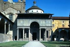 Pazzi Chapel. Basilica di Santa Croce. Florence, Italy. Brunelleschi. 1429-1461 masonry