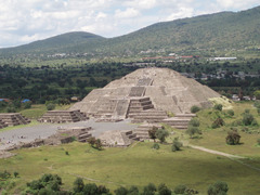 Pyramid of the Sun (Teotihuacan)  (Americas)