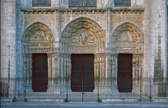 Royal Portal, West Façade, Chartres Cathedral, b. 1134, France, limestone (Early Gothic Art)