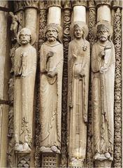 Statue columns