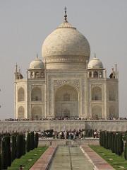 Taj Mahal. Agra, Uttar Pradesh, India. Masons, etc. under the supervision of Ustad Ahmad Lahori, architect. 1632-1653 ce stone masonry